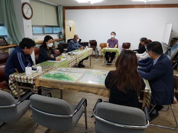 5월 20일 열린 준비모임에 참석한 시민단체 관계자들이 기후위기 안성비상행동 출범에 대한 논의를 진행하고 있다(사진제공=안성비상행동 준비위)